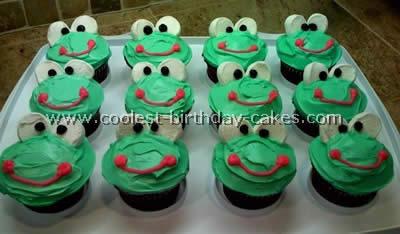 Signature WTC Frog Cupcake